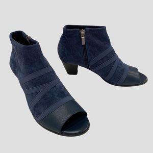 Trotters Maris blue peep-toe booties
